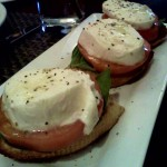 In Libertyville, we had lunch at this little bar downtown.  Mom and I shared this Caprese Crostini - it brought back great memories of Italy!