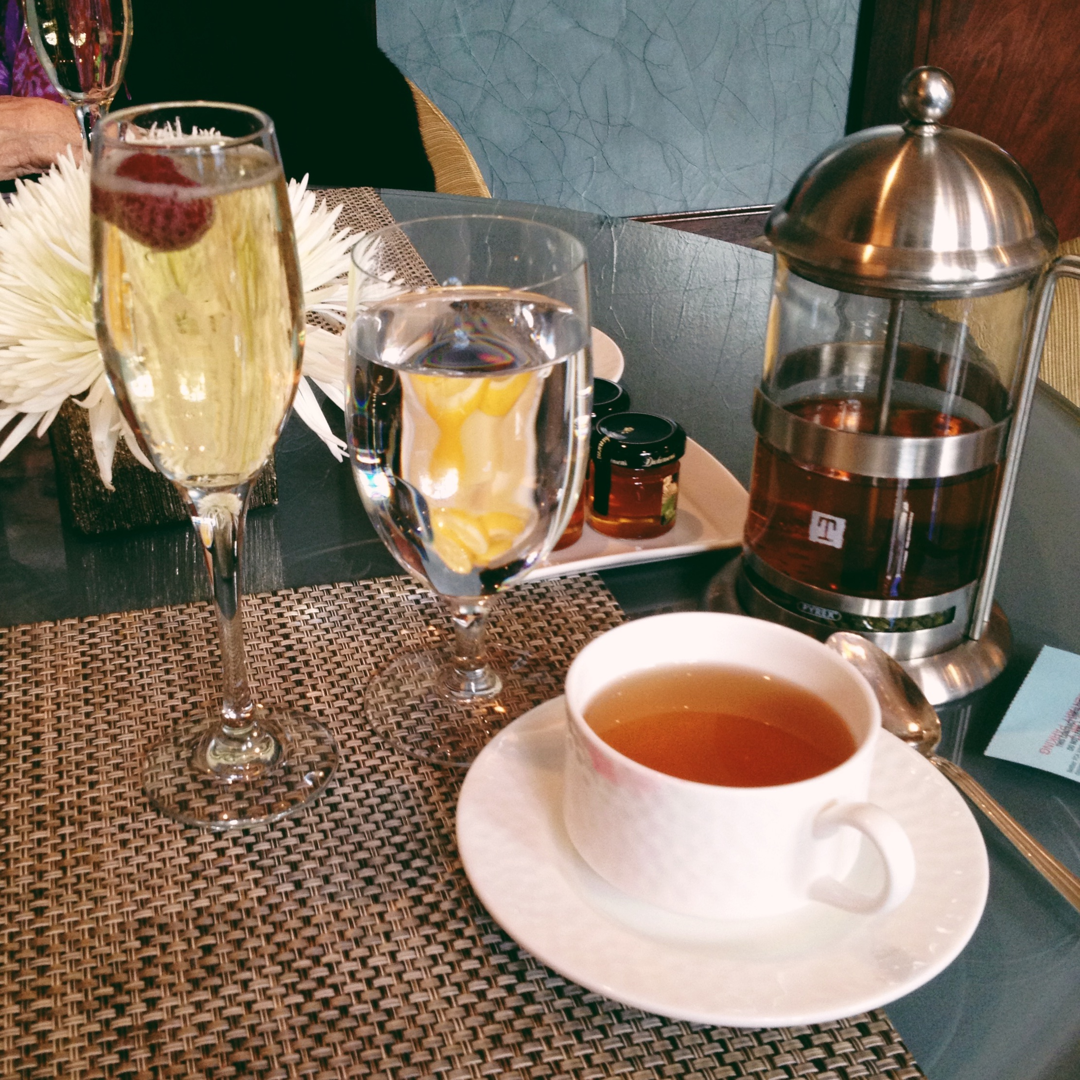 Tea & Champagne