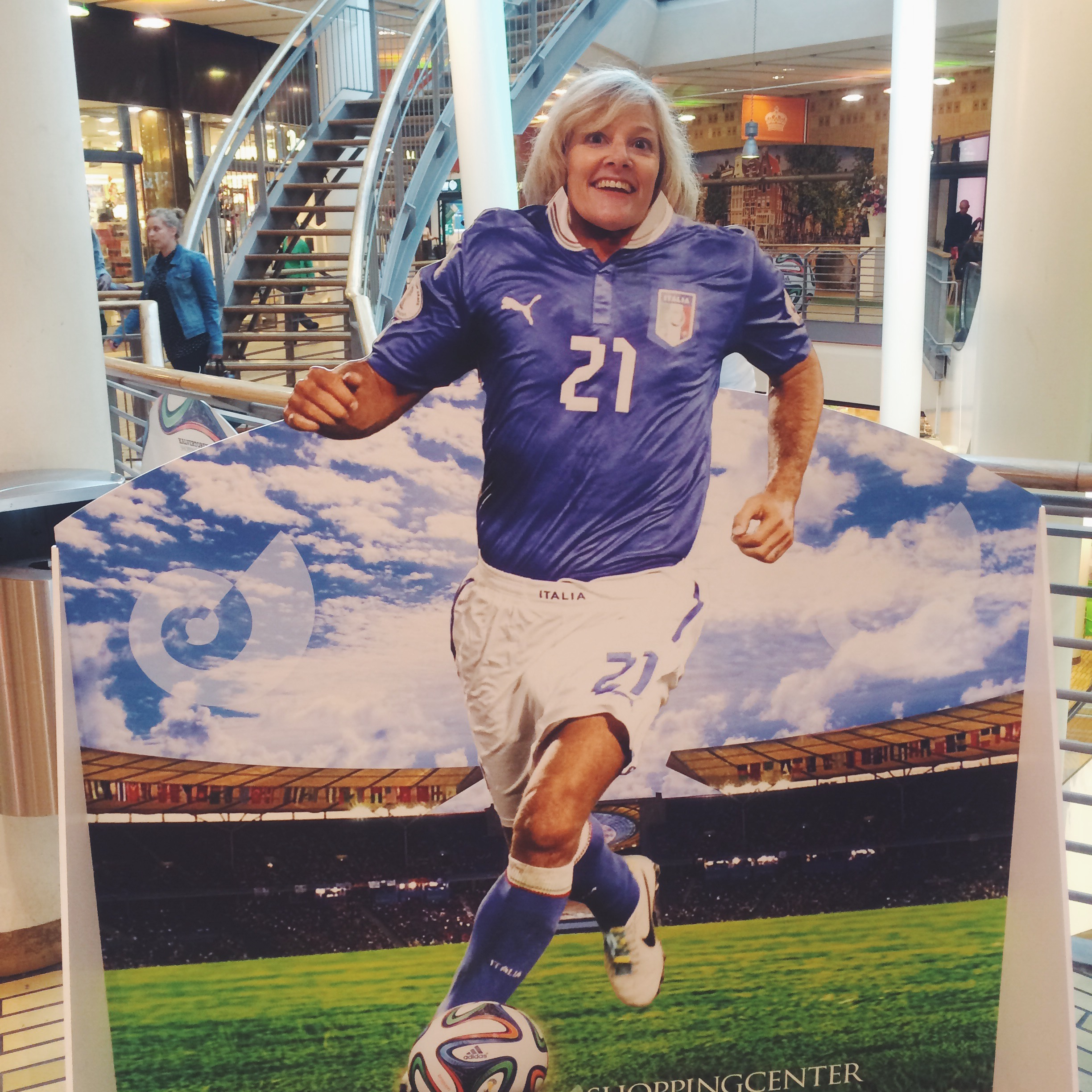 Mom Plays for Italy